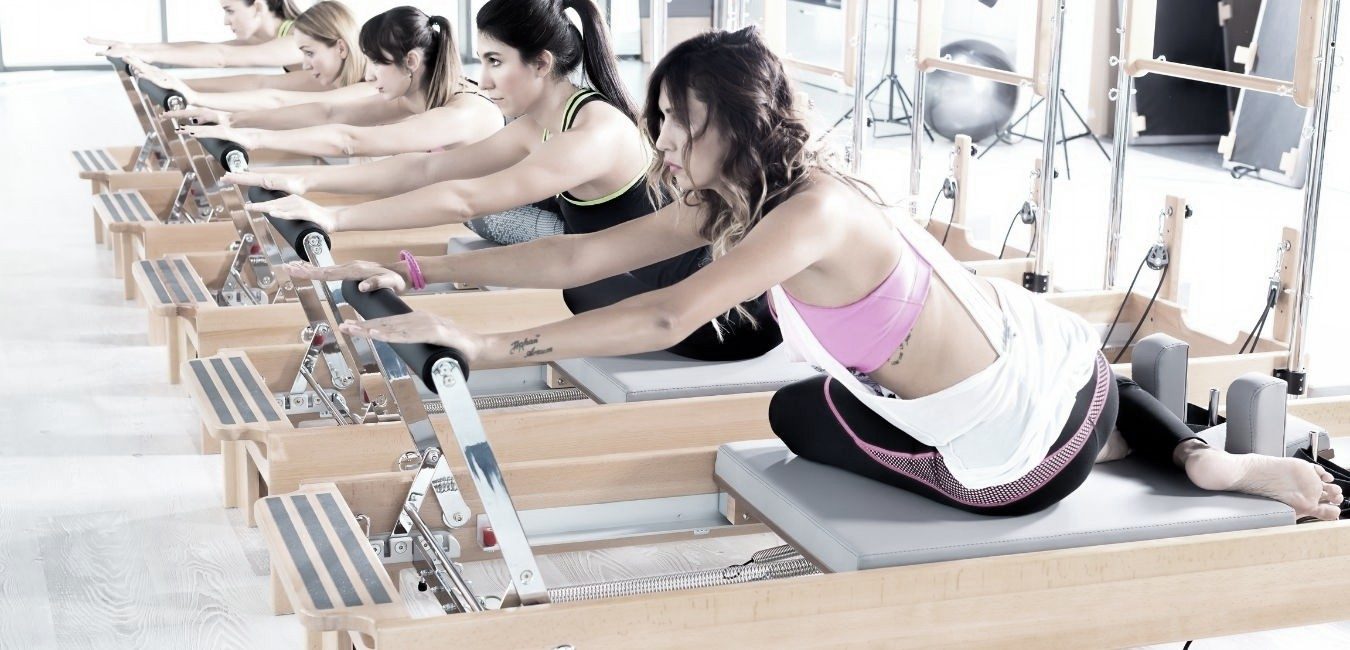 «Tengo Escoliosis». Descubre por qué deberías hacer Pilates