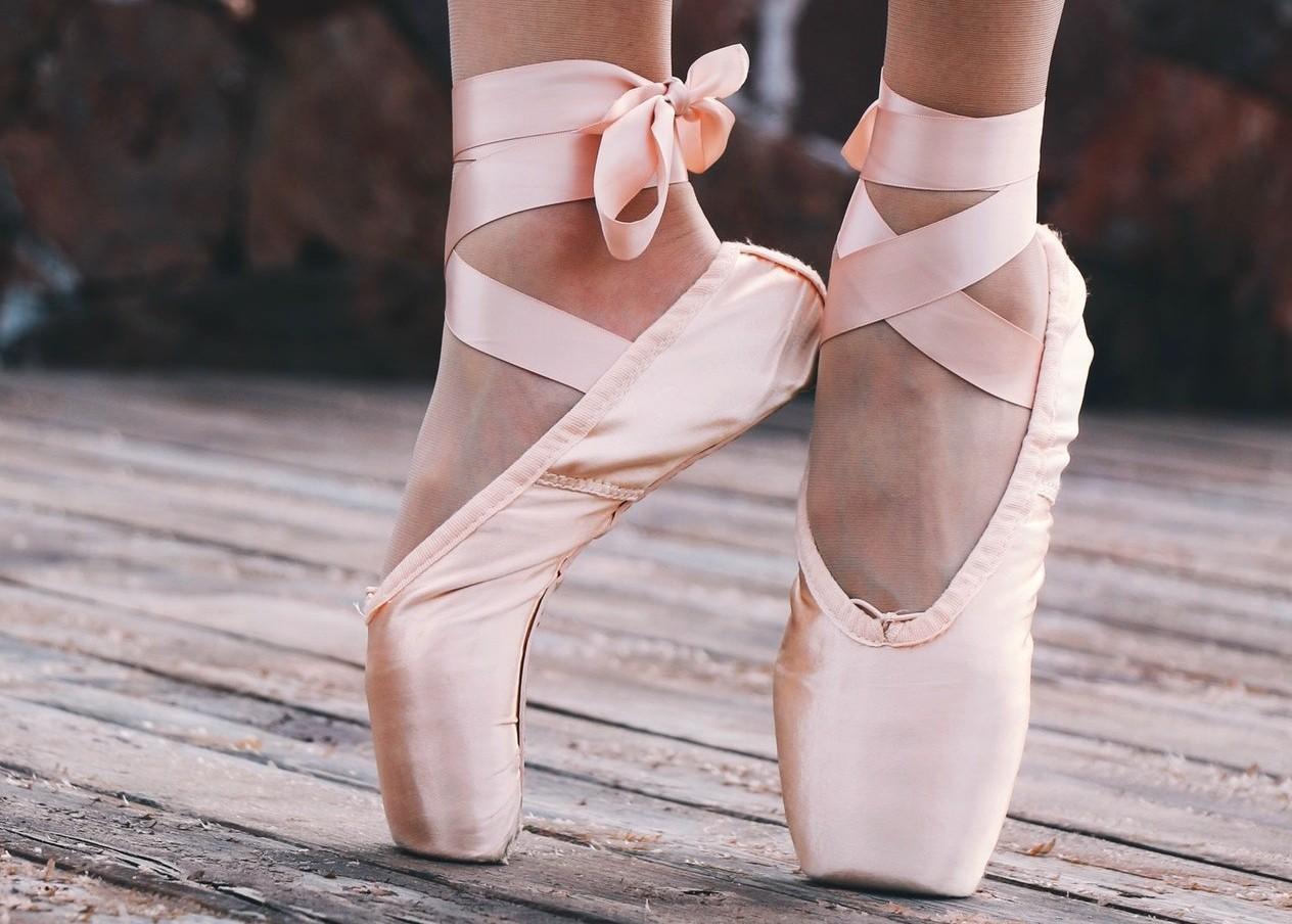 Los pies son el pilar de tu cuerpo. Manténlos flexibles y fuertes